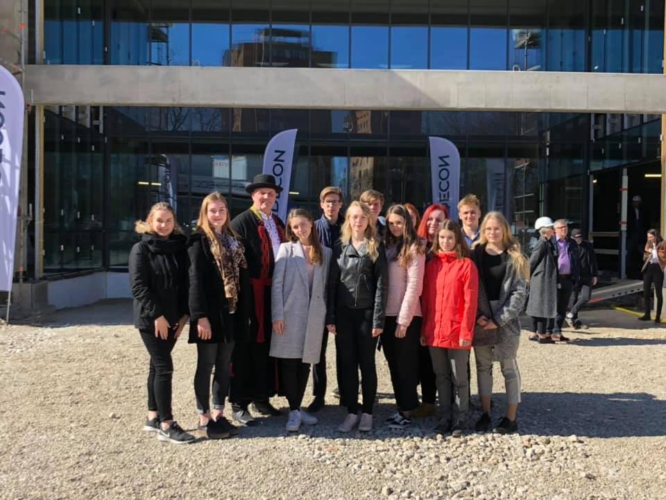 Tulevased Kohtla-Järve Gümnaasiumi gümnasistid osalesid oma esimesel missioonil – rõõmu ja ülima heatahtlikkusega. #missioonileidavirumaale