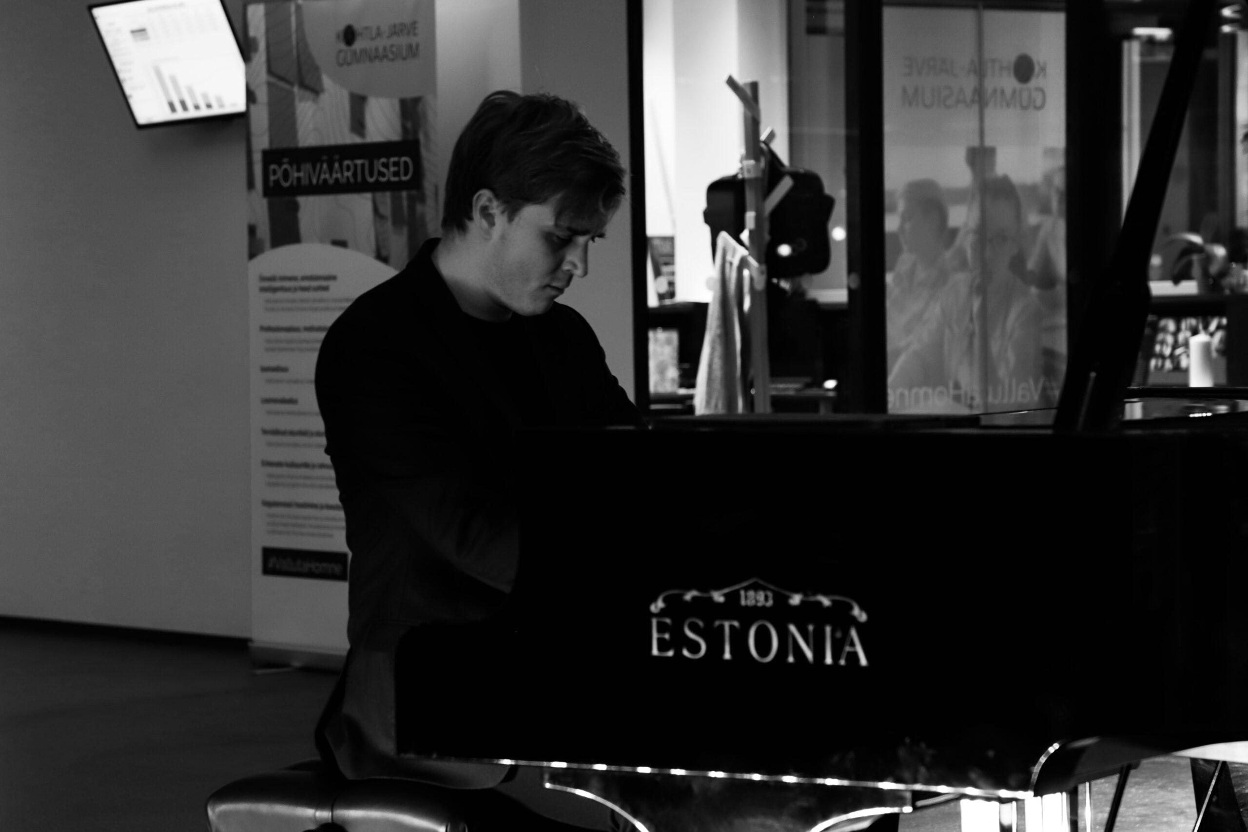 KOHT37: Johan Randvere klaverikontsert
