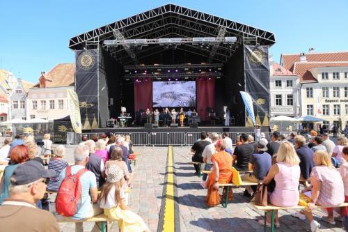 Noorteorkestri ja lauljate kontsertreis Tallinna 12.-13.08